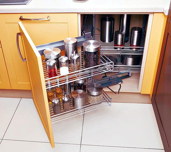 Astuces et rangements une cuisine recompos e for Accessoires rangement cuisine
