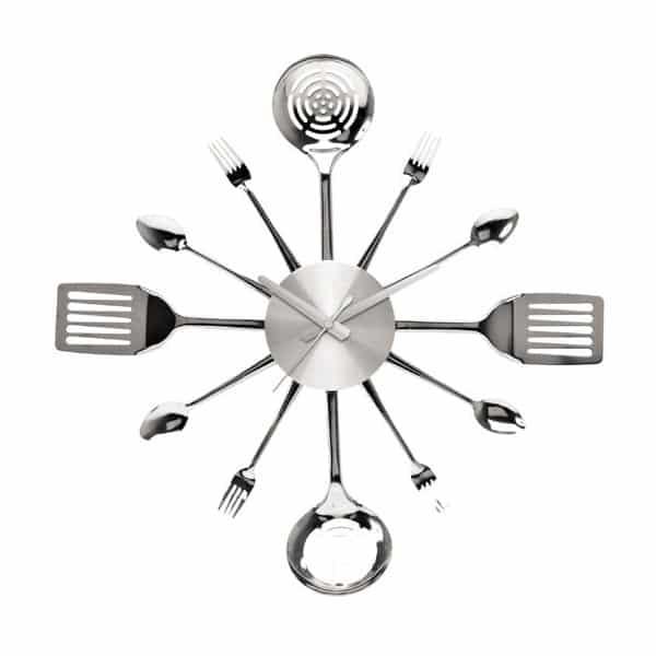 Une cuisine l 39 heure avec une belle horloge - Horloge de cuisine design ...