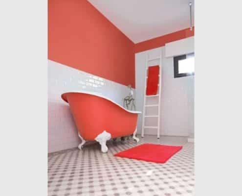 peinture salle de bains murs et baignoire