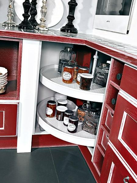 astuces et rangements une cuisine recompos e. Black Bedroom Furniture Sets. Home Design Ideas