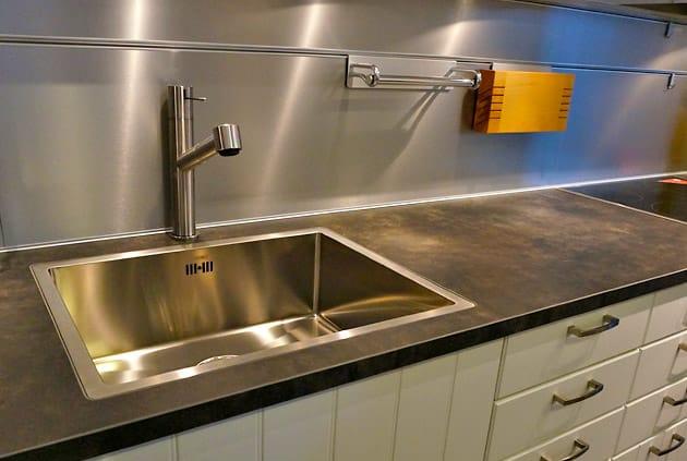 Quelle credence pour plaque gaz maison design for Inox pour credence