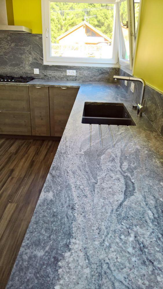 cuisine granit branco pyracema effet cuir 4 le blog sagne cuisines. Black Bedroom Furniture Sets. Home Design Ideas