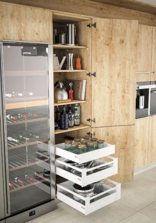 armoire casserolier à l'anglaise