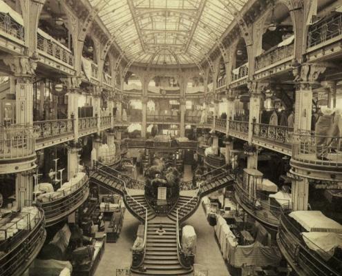 Le-grand-escalier-Printemps-1920